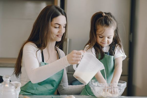 Science Subscription Boxes For Kids- mother and daughter