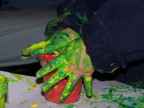 31 Remarkably Creative Activities For Kids- hand painting