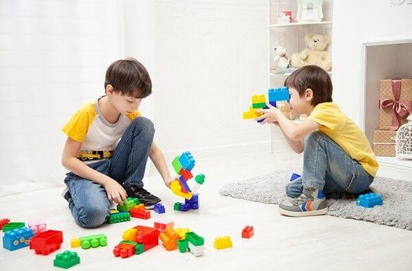 Interesting construction toys for boys, why play, boys being creative