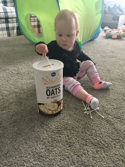 home activities for toddlers- q tips drop