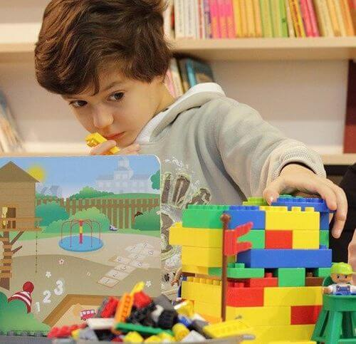 Interesting construction toys for boys, why play- child focusing