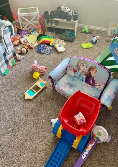 13 ways to be a happy stay at home mom- messy room